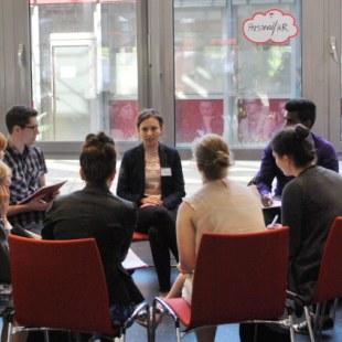Gesprächsrunde zum Thema Personal und Human-Resource-Management (Foto: ArbeiterKind.de)