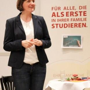 ArbeiterKind.de-Gründerin Katja Urbatsch stellt sich vor (Foto: ArbeiterKind.de)