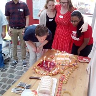 Regionaltreffen Kaiserslautern: Kaffee und Kuchen (Foto: ArbeiterKind.de)