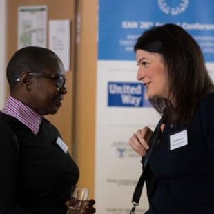 EAN 2017: Erste Gesprächsrunden im Foyer (Foto: Rolf K. Wegst)